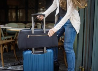 Indiegogo Startup Designed the Best Travel Bag for Delta and United Flights